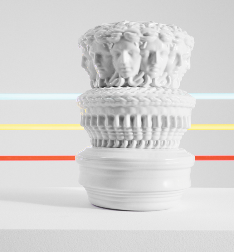 versace euphoria vase product image