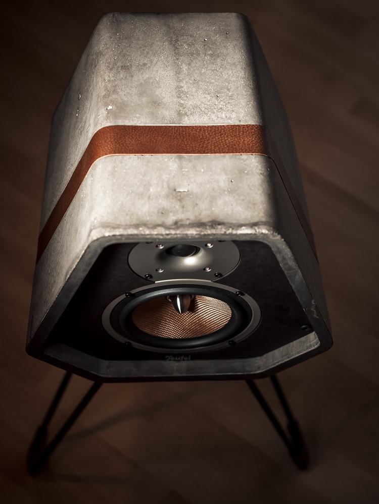 Speaker made out of concrete