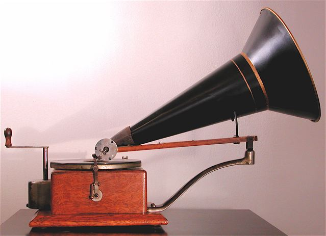 A gramophone with horn speaker