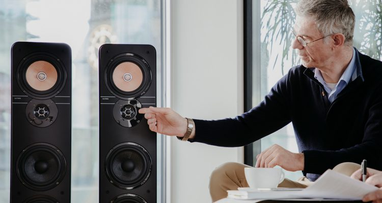 Picture of Markus Romeis and the Ultima 40 Aktive fromTeufel